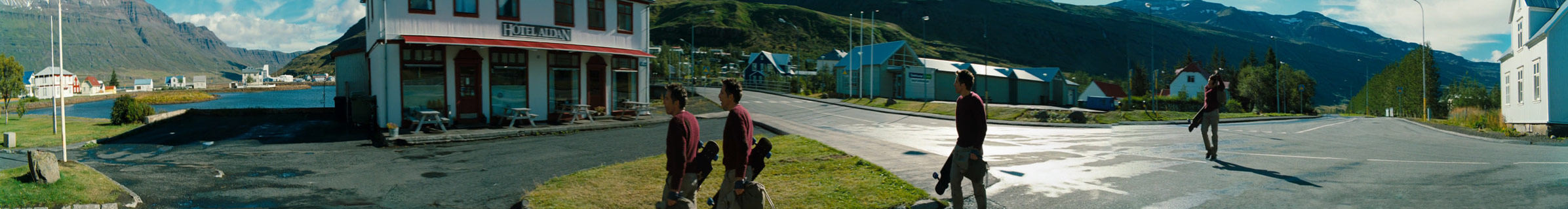 the-secret-life-of-walter-mitty_ben-stiller_abandoned-town_film-panoramas