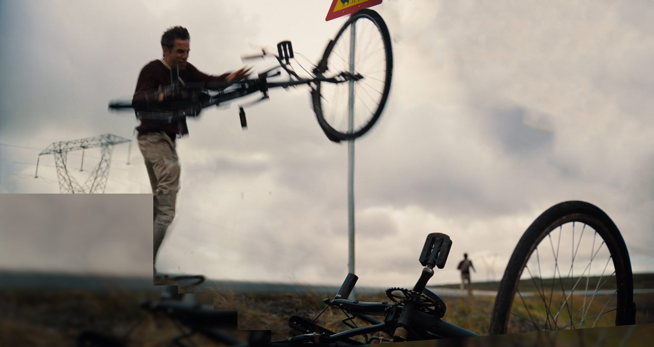the-secret-life-of-walter-mitty_ben-stiller_bicycle-broken_film-panoramas