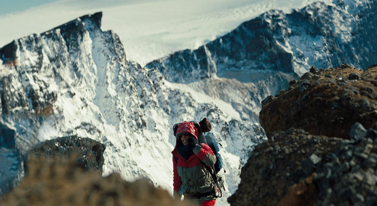 the-secret-life-of-walter-mitty_ben-stiller_mountain-climb_film-panoramas